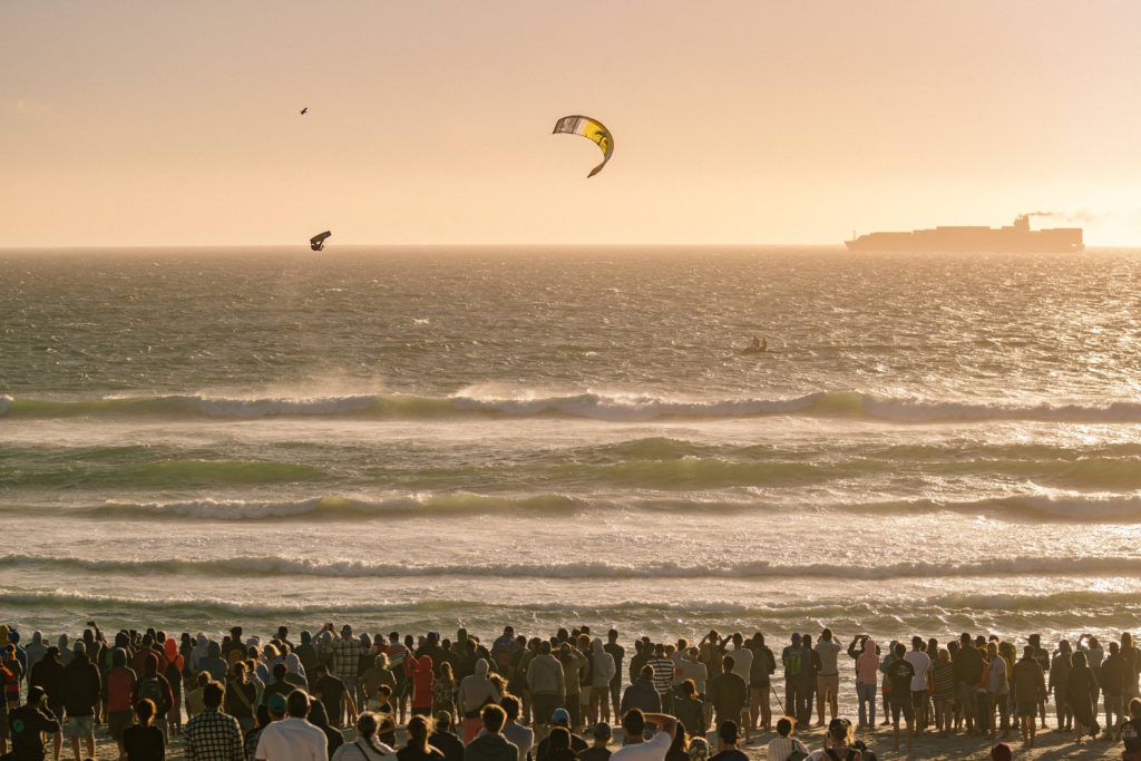 Liam Whaley competes at Red Bull King Of The Air, Kite Beach, Cape Town on January 31, 2018 // Ydwer van der Heide /